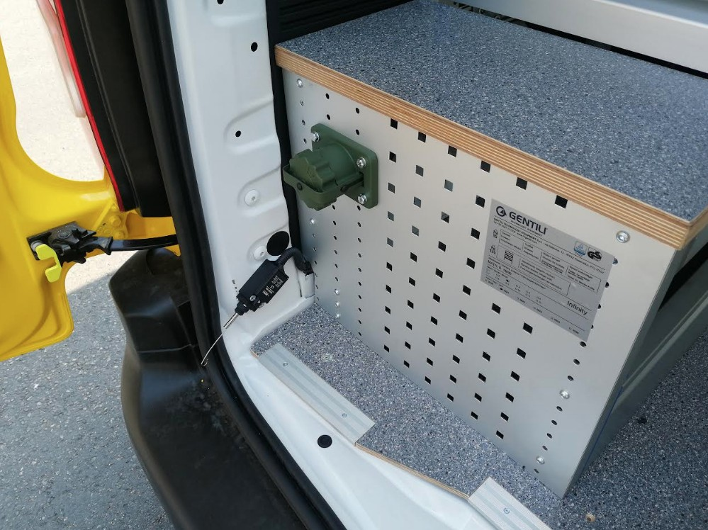 Pokretna radionica za pomoc na cesti